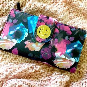 NWOT Buxton Large Floral Wallet